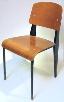 Cette chaise, a été le fruit de longues études et d'expérimentations.