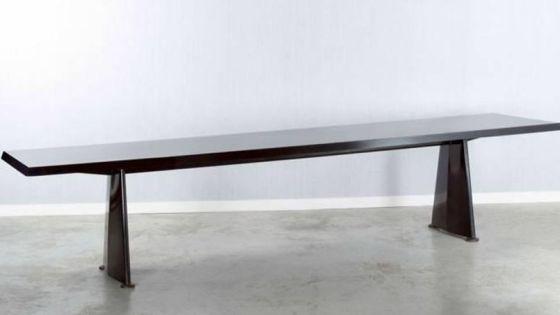 Table vendue aux enchères en mai 2014 à Paris