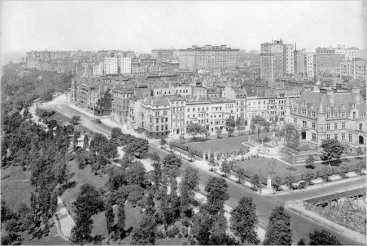 Riverside Drive with Schwab mansion in 1915. Credit Office for Metropolitan History